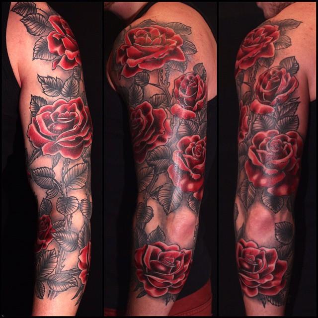 Thnxs René! #tattoo #tattoos #tattooer #tattooist #tattoogram #rose #roses #rosetattoo #colortattoo #red #rosesleeve #tattoosleeve #roos #rozen #magictattoo #magictattoostudio #utrecht