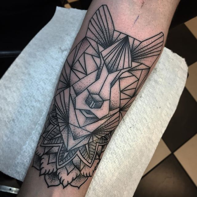 Thnxs Maurice! #tattoo #tattoos #geometric #geometrictattoo #dotwork #dots #dotworktattoo #dotworktattoos #wolf #wolftattoo #mandala #mandalatattoo #magictattoo #magictattoostudio #utrecht