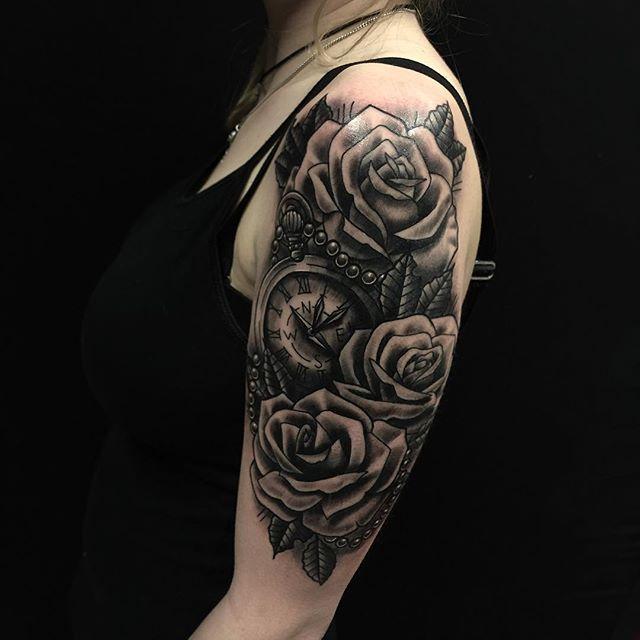 Thnxs Lisa! #rose #roses #tattoo #tattoos #blackandgrey #greywash #tattooroses #rosetattoo #rosestattoo #clock #pocketwatch #magictattoostudio #utrecht