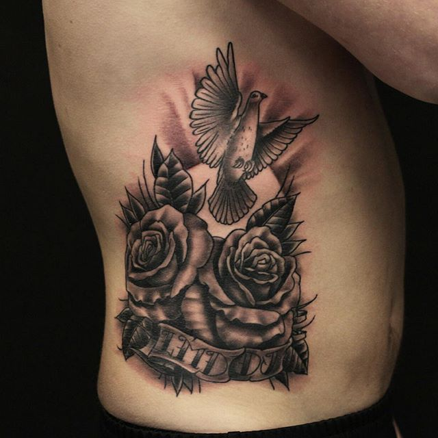 Thnxs Joris! #tattoo #tattoos #ribs #greywash #blackandgrey #rosetattoo #rose #roses #rosestattoo #dove #dovetattoo #magictattoostudio #utrecht