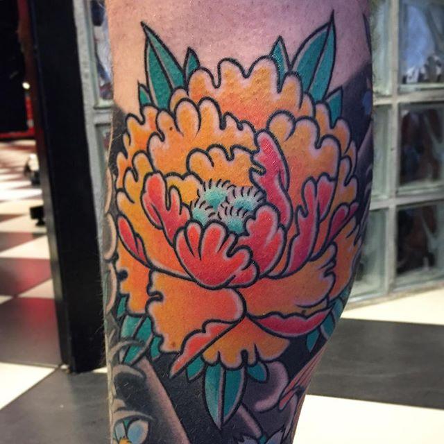 Thnxs Michel! Eindelijk ook de andere kant . Genezen, twee weken geleden gezet.Tot snel! #tattoo #tattoos #bright_and_bold #boldwillhold8 #bold #boldwillhold #japanese #japanesetattoo #peony #peonytattoo #magictattoostudio #utrecht