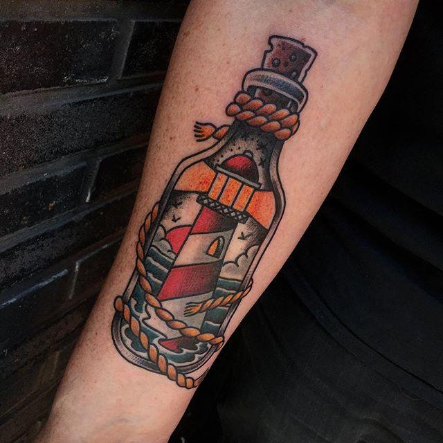 Thnxs Harmen! #tattoo #tattoos #realtraditional #oldschool #whips #boldwillhold #boldwillhold8 #brightandbold #lighthouse #bottle #magictattoo #magictattoostudio #utrecht
